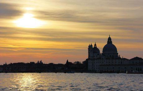 Espectacular atardecer en Venecia