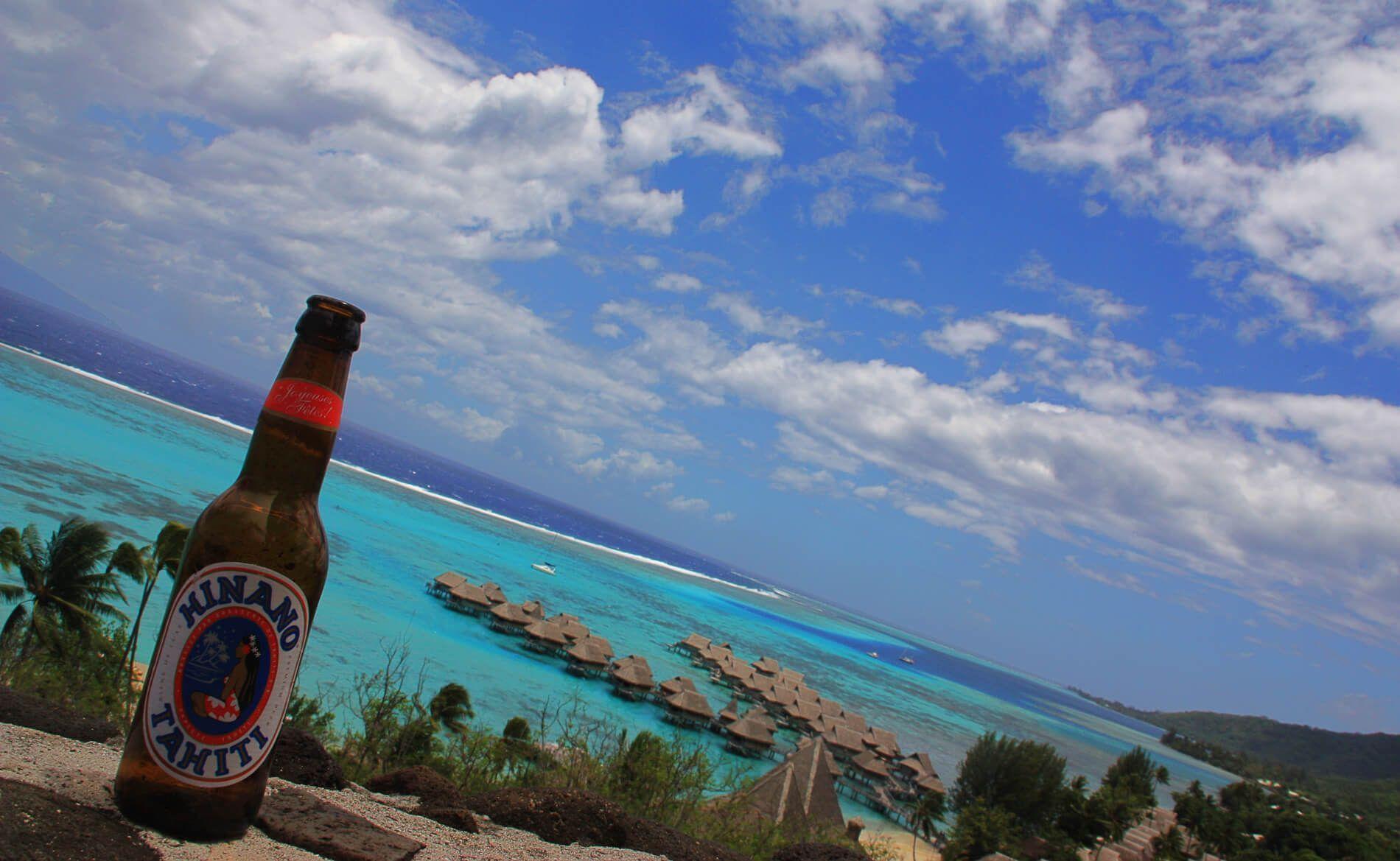 La laguna de la isla de Moorea en Polinesia Francesa
