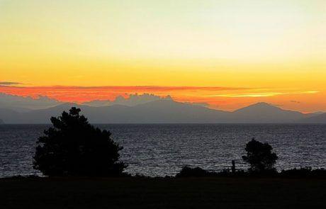 amanecer en Taupo, Nueva Zelanda