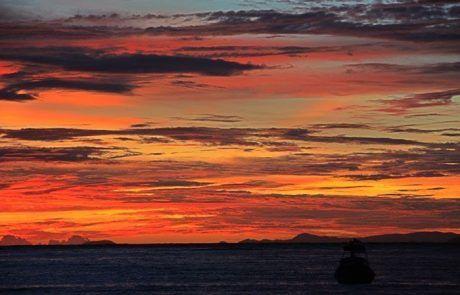 Espectacular atardecer en la isla de Koh Phi Phi