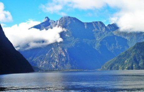 Bonito paisaje de los fiordos de Milford Sound en Nueva Zelanda