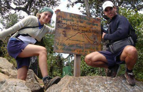 Cartel en la cima del monte San Pedro en el lago Utitlán
