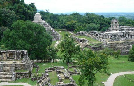 Panorámica de la ciudad maya de Palenque
