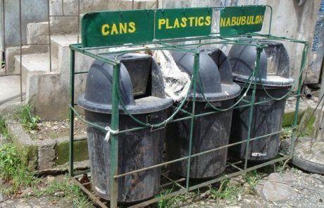 Contenedores de reciclaje en Banaue