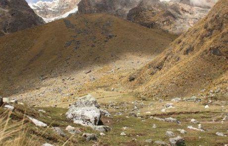 Descansando durante el trekking Salkantay