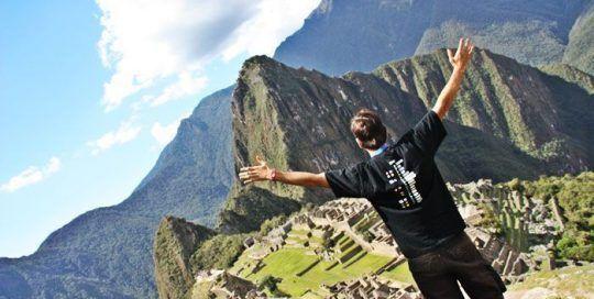 Haciendo el corcovado en el Machu Picchu