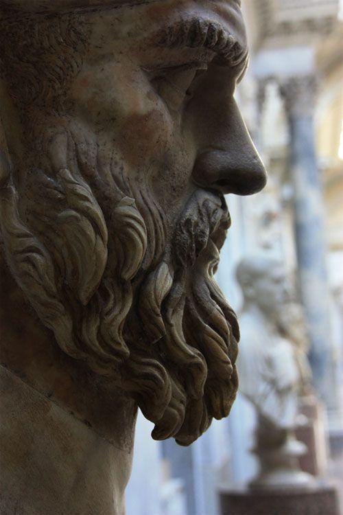 Estatua en la ciudad del vaticano