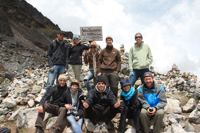 Foto de grupo del trekking Salkantay