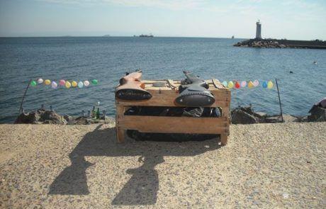 Juego de disparar a globos con escopetas en el paseo marítimo de Estambul