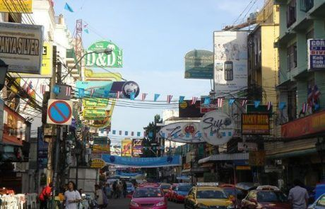 Panorámica de Khao San road en Bangkok