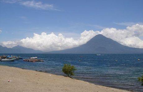 Panorámica del monte San Pedro desde Panajachel