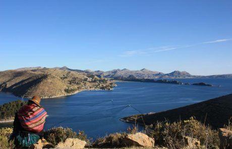 Panorámica del Lago Titicaca desde la Isla del sol
