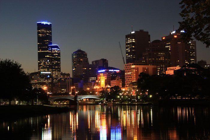 Skyline de Melbourne de noche