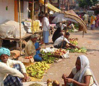 Mercado callejero en La India