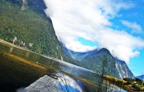 Espectacular reflejo en Mirror Lakes en Nueva Zelanda