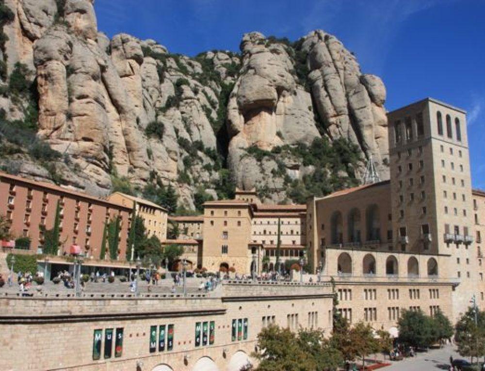 Excursión de día a Montserrat por libre