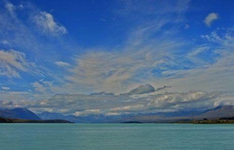 Panorámica del lago Pukaki en Nueva Zelanda