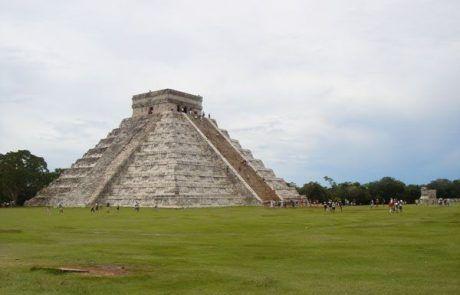 Pirámide principal de las ruinas de Chichen Itzá
