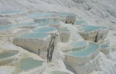 Piscinas naturales de Pamukkale en Turquía