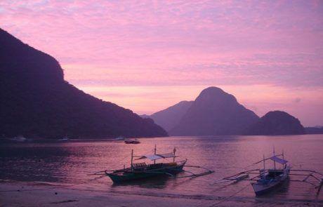 Espectacular puesta de sol en la playa de el Nido