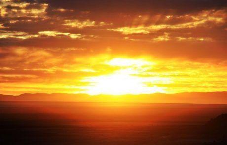 Espectacular puesta de sol en el Salar de Uyuni