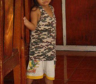 Retrato de una preciosa niña filipina en banaue