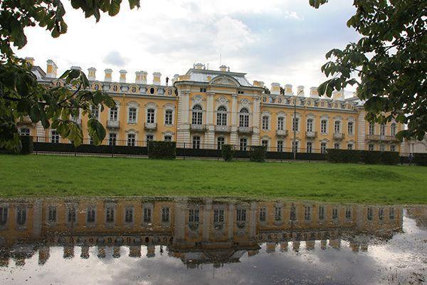San Petersburgo y Moscú