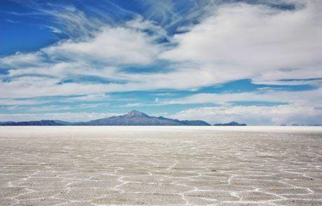 El Salar de Uyuni en Bolivia es una de las 7 maravillas naturales del mundo
