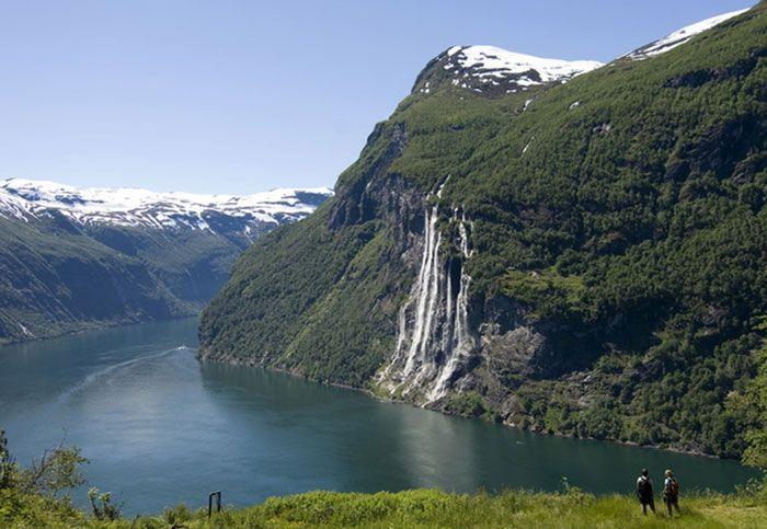 Espectacular panorámica de los fiordos noruegos