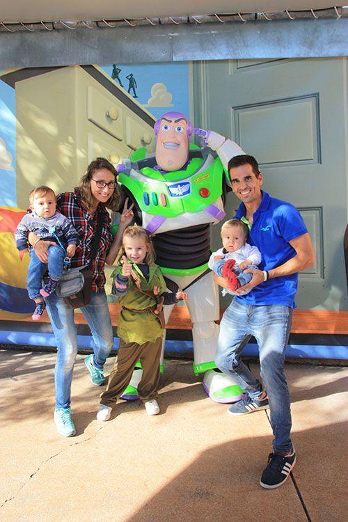 Con el famoso Buzz Lightyear!