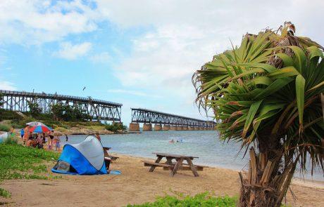 Panorámica del puente roto en Bahía Honda